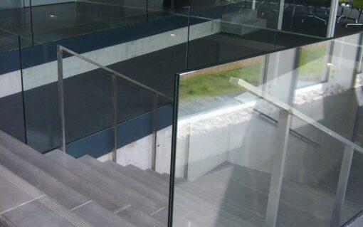 Garde-corps en verre - Sécurité discret et transparent - Belgoglass