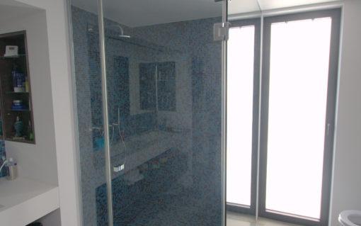 Glazen Panelen Badkamer : Douche in glas glazen douchedeur douchepanelen belgoglass